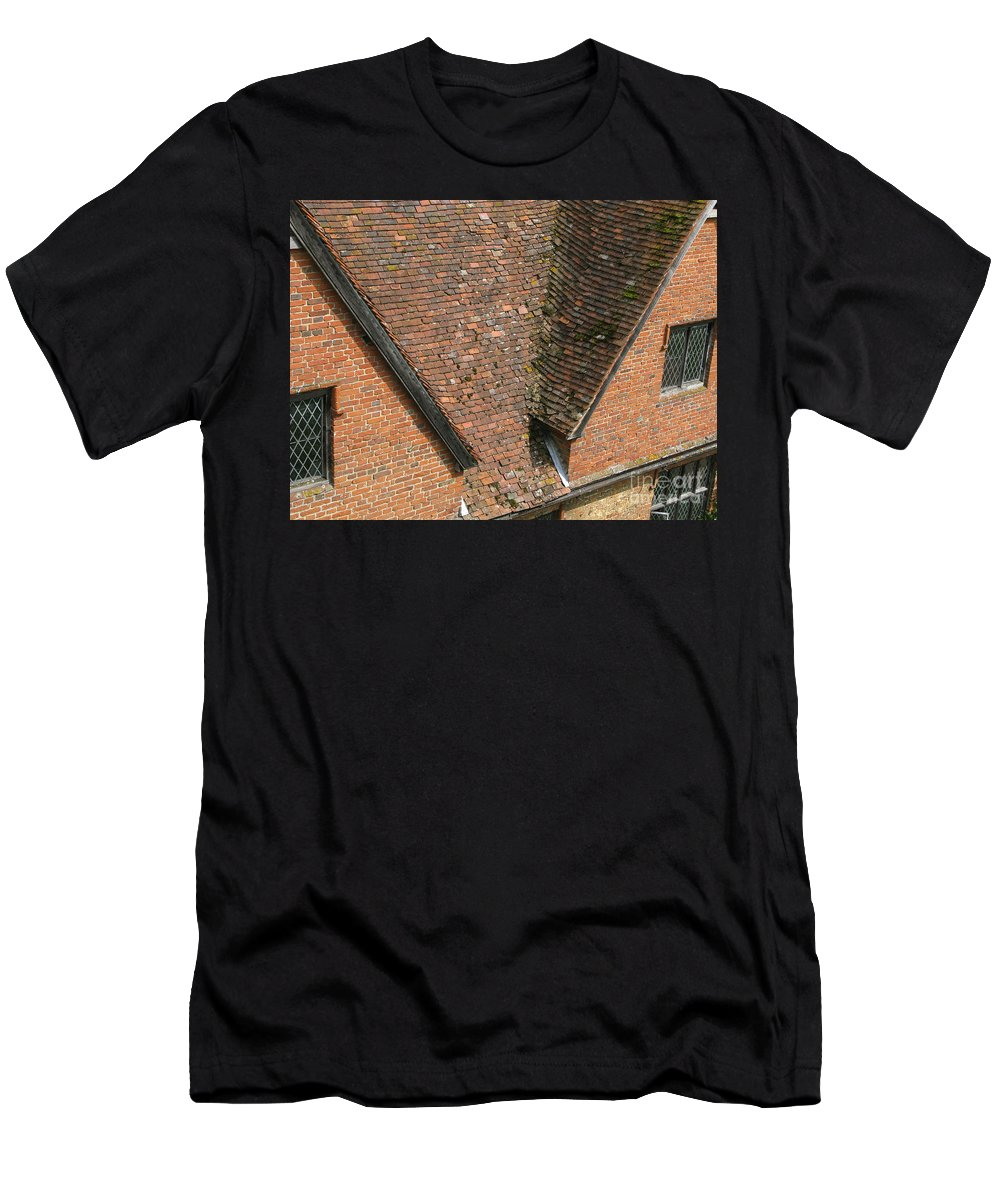 England Men's T-Shirt (Athletic Fit) featuring the photograph Olde English by Ann Horn