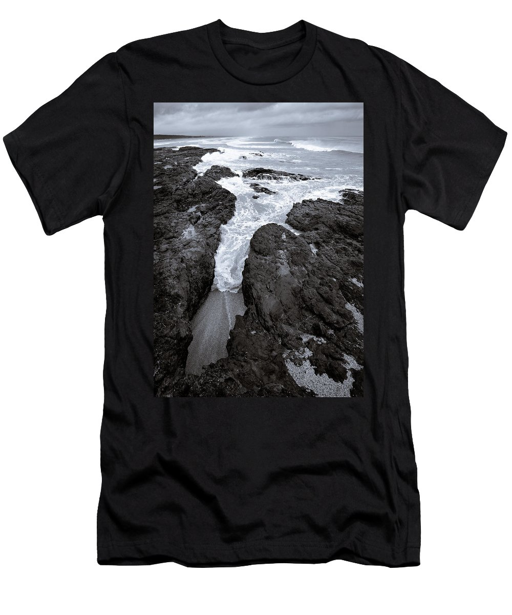 New Zealand Men's T-Shirt (Athletic Fit) featuring the photograph On The Rocks by Dave Bowman