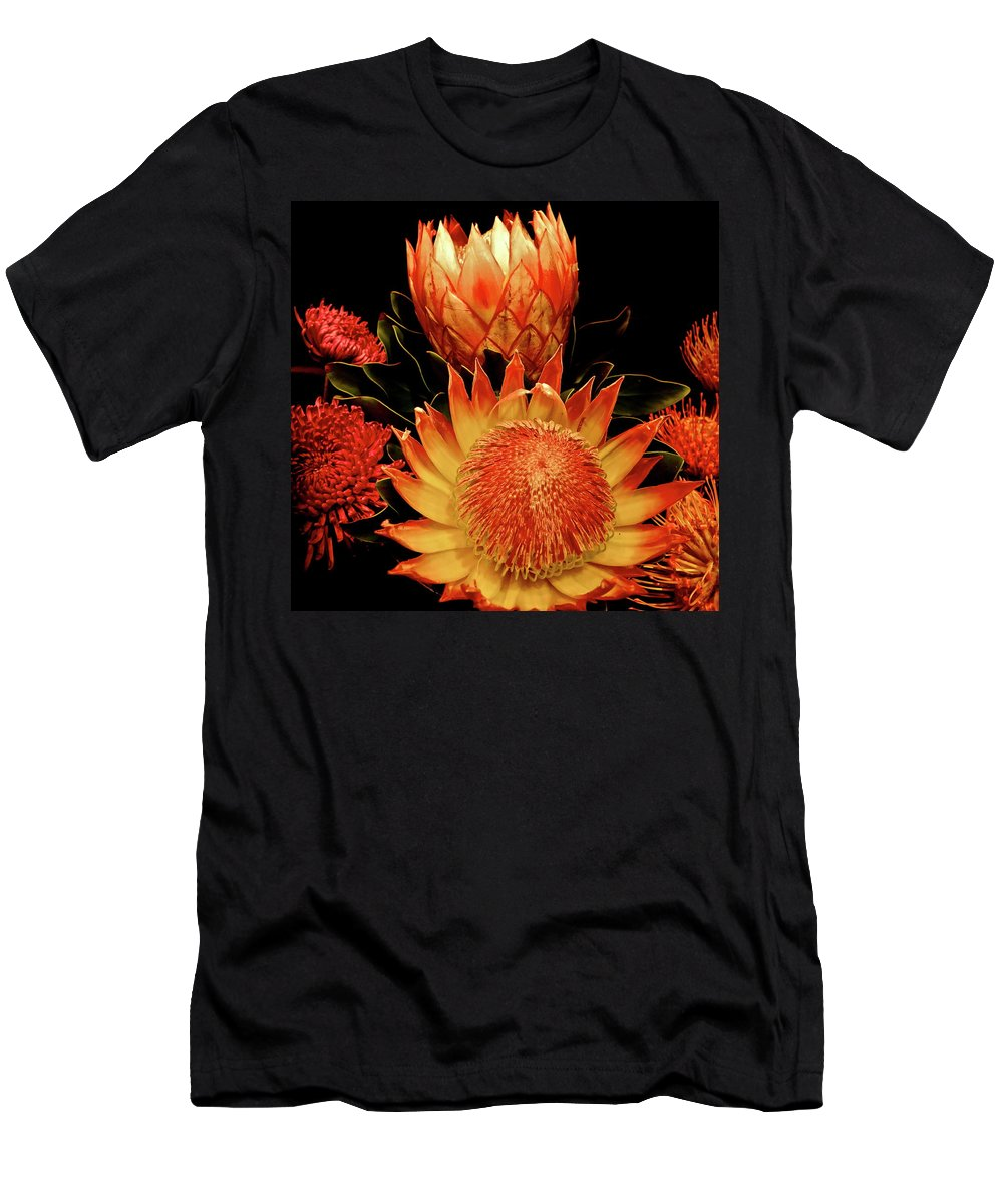 Botanical Men's T-Shirt (Athletic Fit) featuring the photograph Open And Shut by Bonnie See