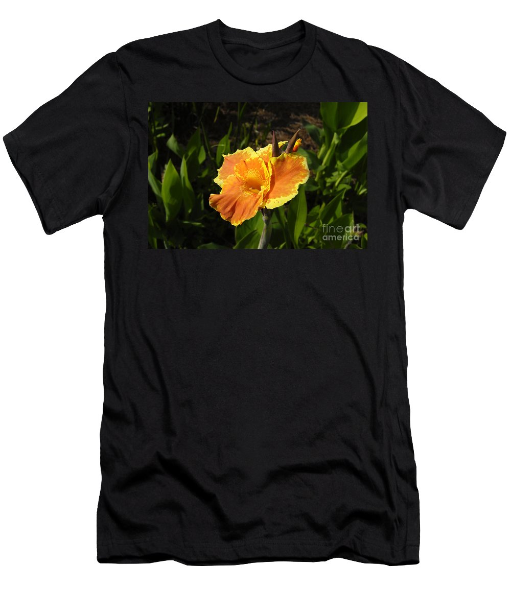 Flower Men's T-Shirt (Athletic Fit) featuring the photograph Orange Flower by David Lee Thompson