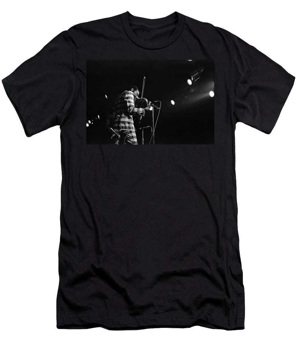 Ornette Coleman Men's T-Shirt (Athletic Fit) featuring the photograph Ornette Coleman On Violin by Lee Santa