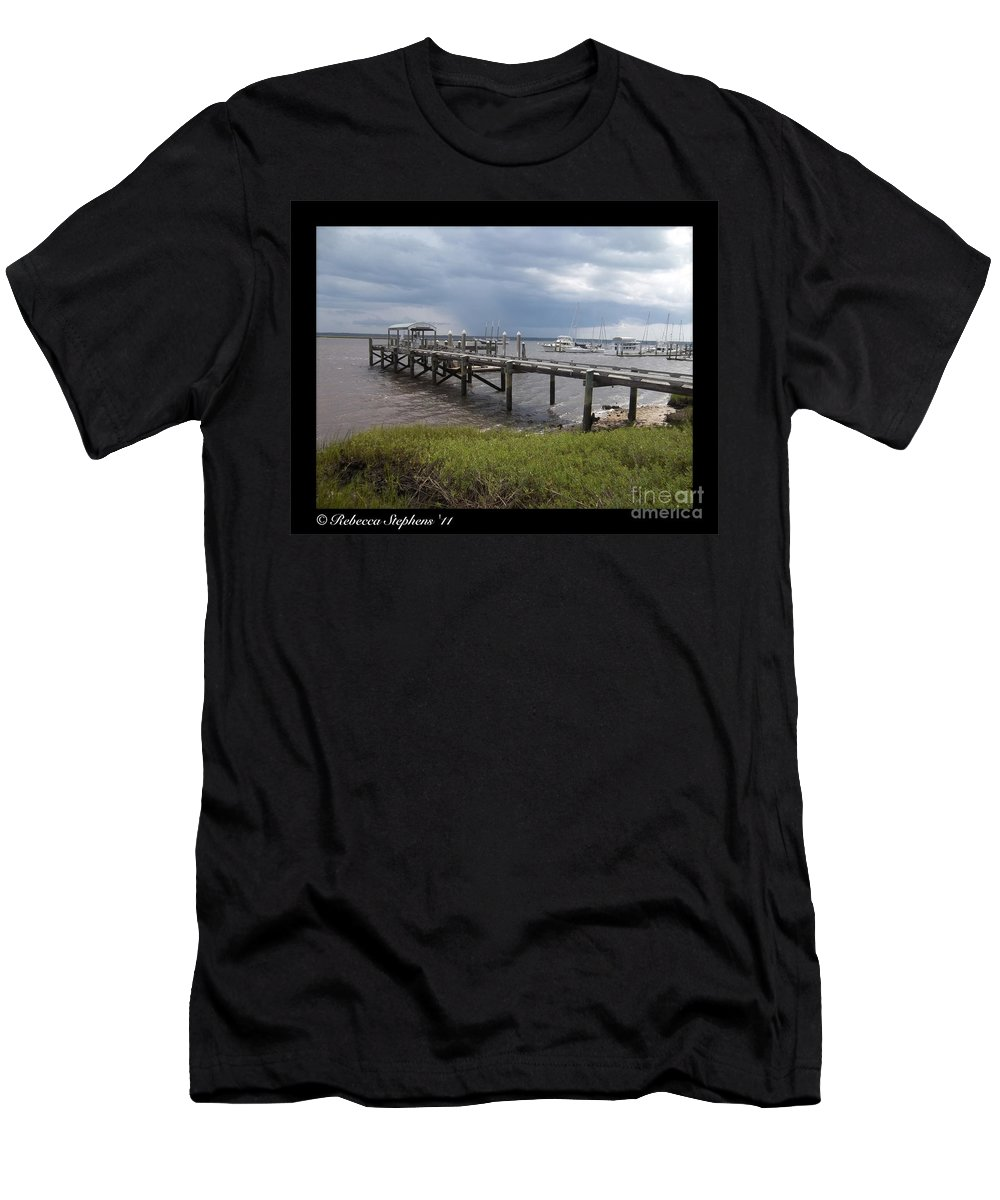 Pier Men's T-Shirt (Athletic Fit) featuring the photograph Osprey by Rebecca Stephens