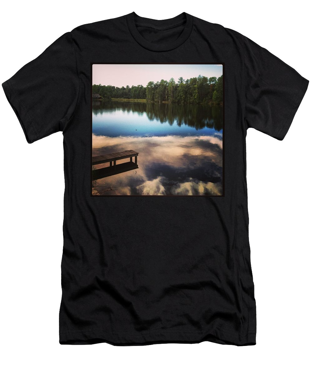 Dock Men's T-Shirt (Athletic Fit) featuring the photograph Out In The Open by Artie Rawls