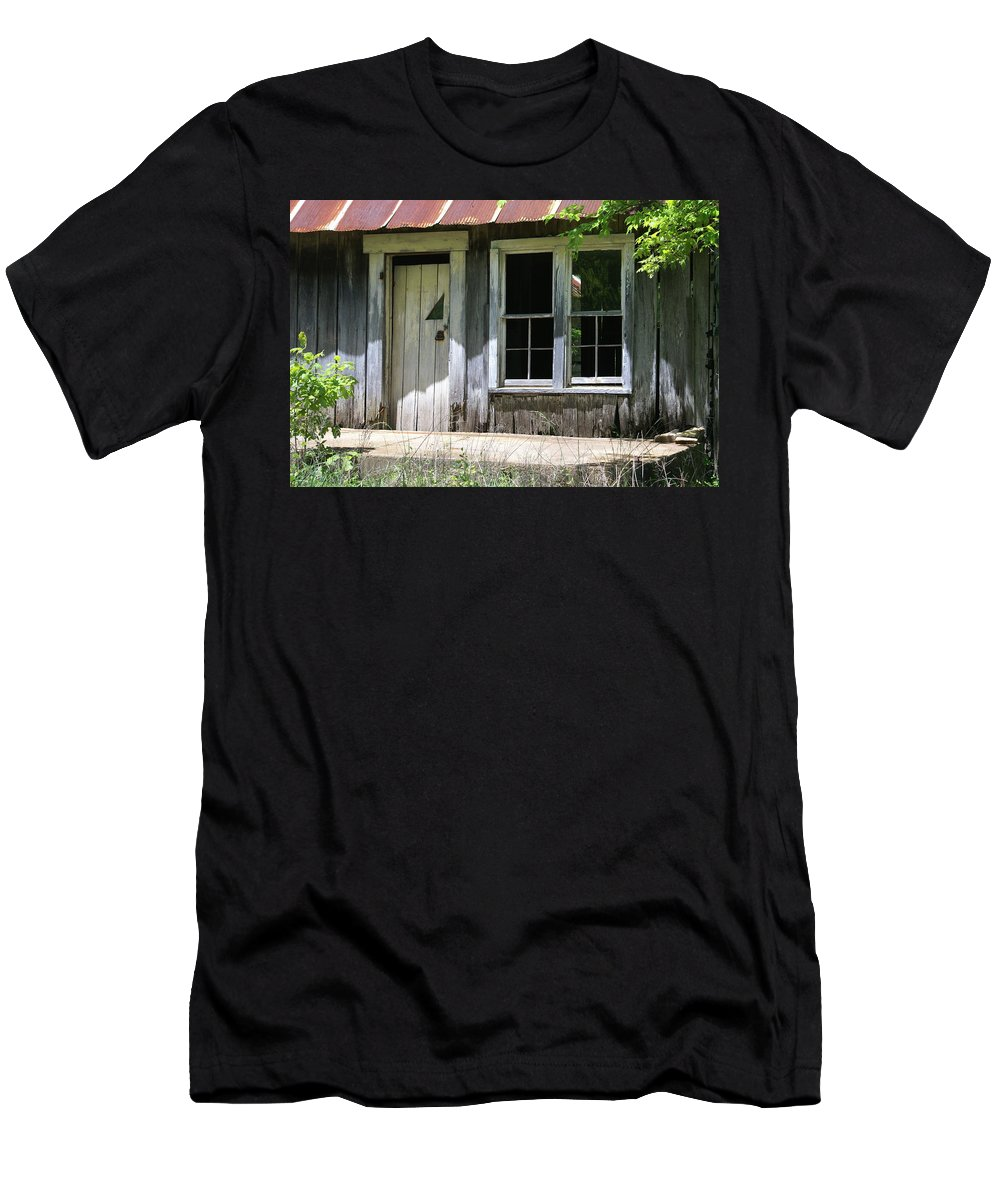 Historic Buildings Men's T-Shirt (Athletic Fit) featuring the photograph Ozark Homestead by Marty Koch