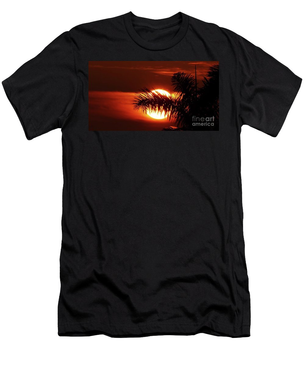 Sunset Men's T-Shirt (Athletic Fit) featuring the photograph Palm Sunset by Carlos Amaro