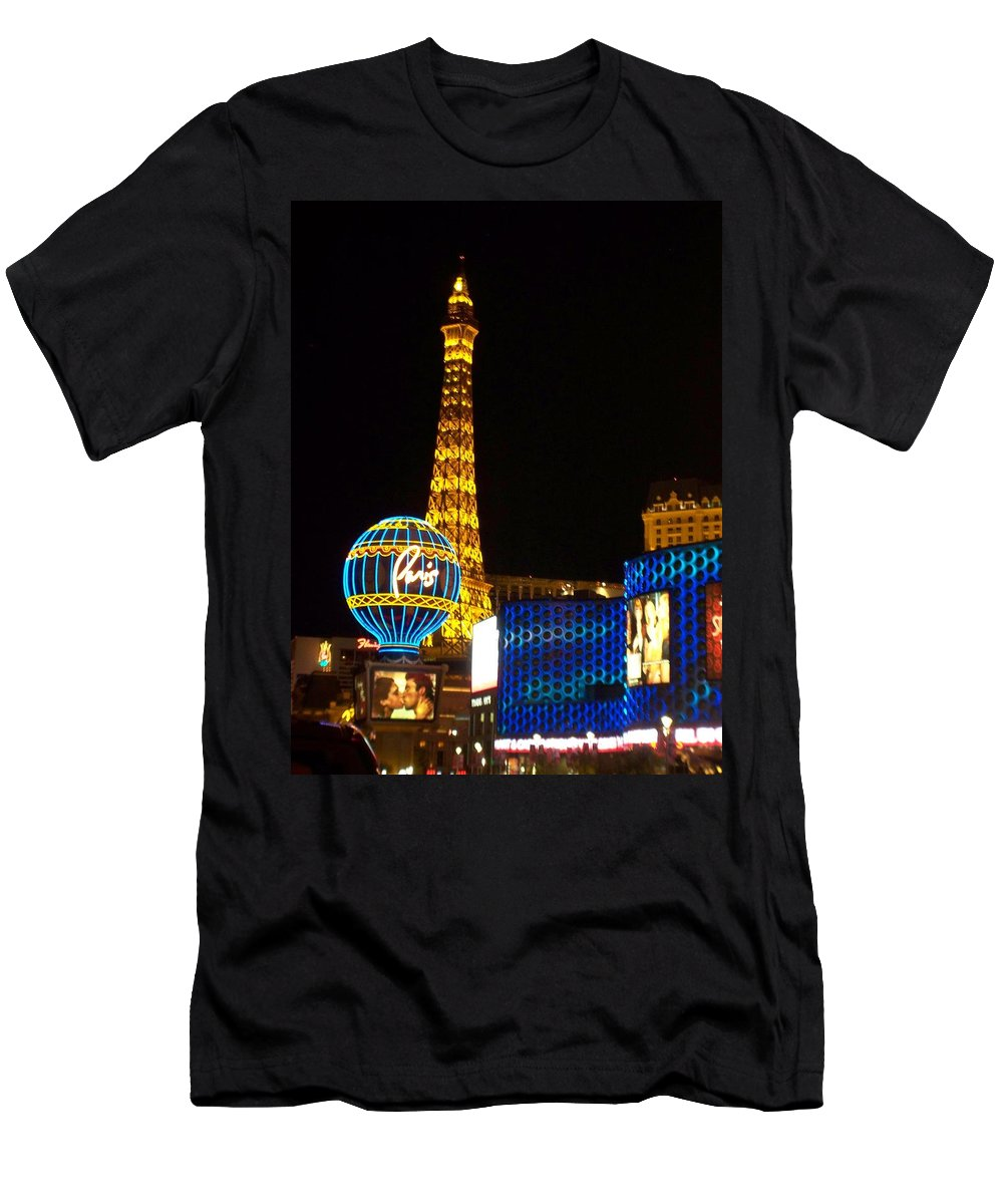 Vegas Men's T-Shirt (Athletic Fit) featuring the photograph Paris Hotel At Night by Anita Burgermeister