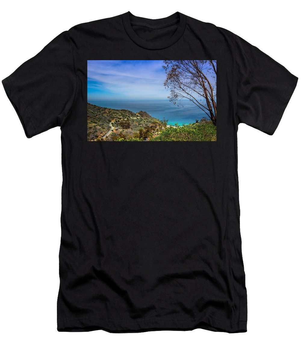 Beaches Men's T-Shirt (Athletic Fit) featuring the photograph Peaceful World by Trinh Lee