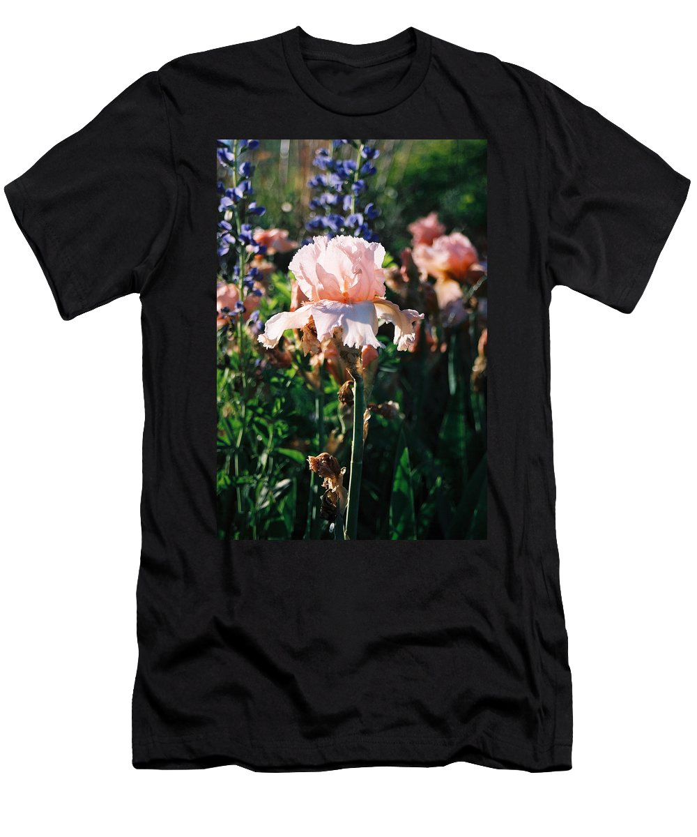 Flower Men's T-Shirt (Athletic Fit) featuring the photograph Peach Iris by Steve Karol