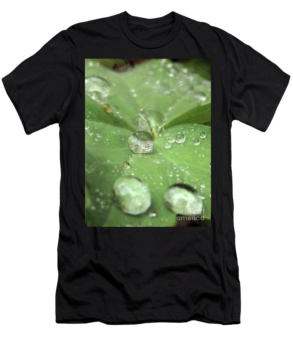 Pearls Men's T-Shirt (Athletic Fit) featuring the photograph Pearls On Leaf by Kim Tran