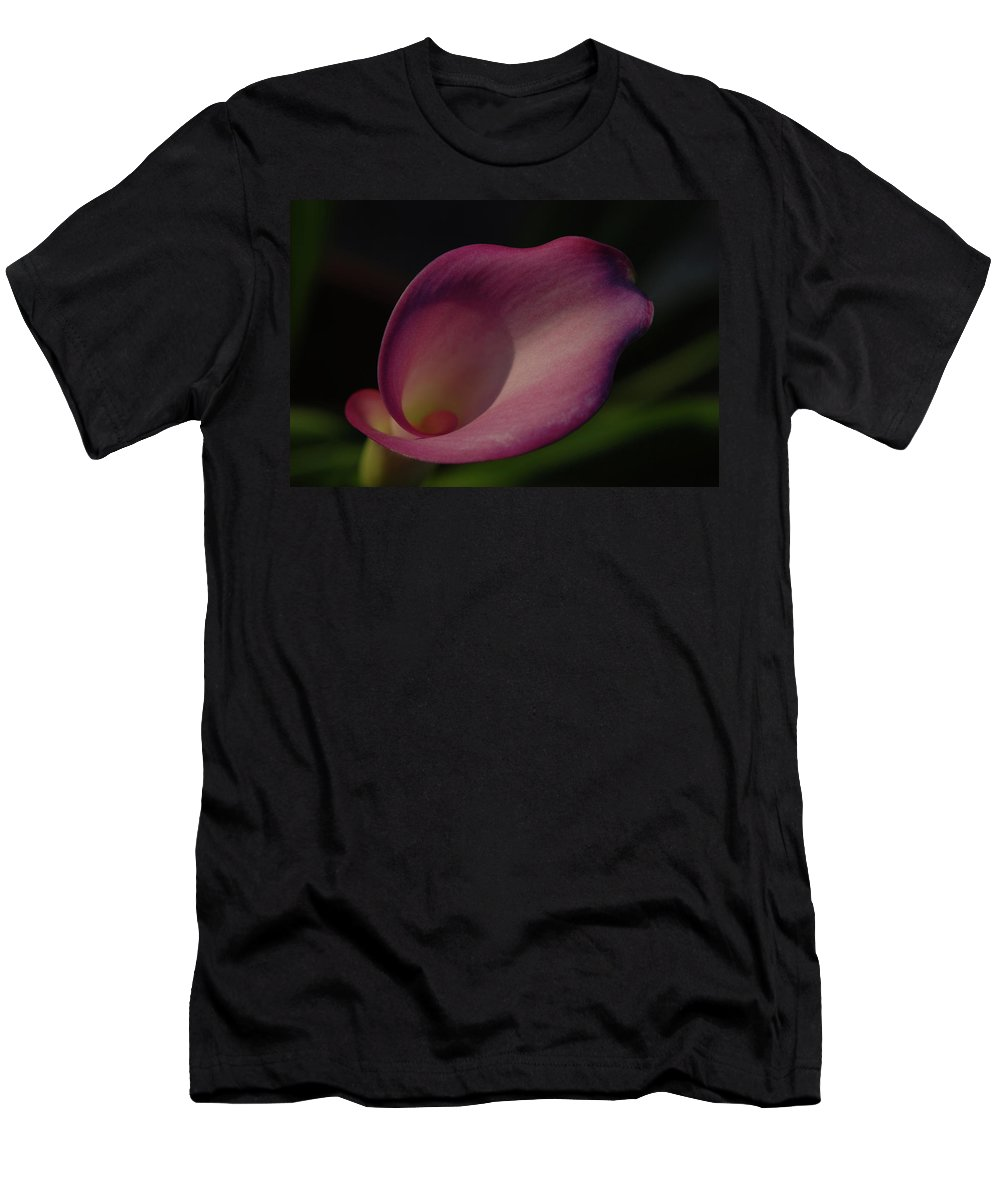 Callalily Men's T-Shirt (Athletic Fit) featuring the photograph Pink Calla Lily - Horizontal by Gwen Juarez