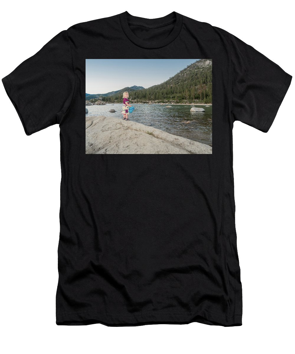 Mother Men's T-Shirt (Athletic Fit) featuring the photograph Piper by Martin Gollery