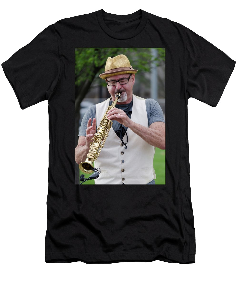 Cleveland Men's T-Shirt (Athletic Fit) featuring the photograph Play It by Stewart Helberg