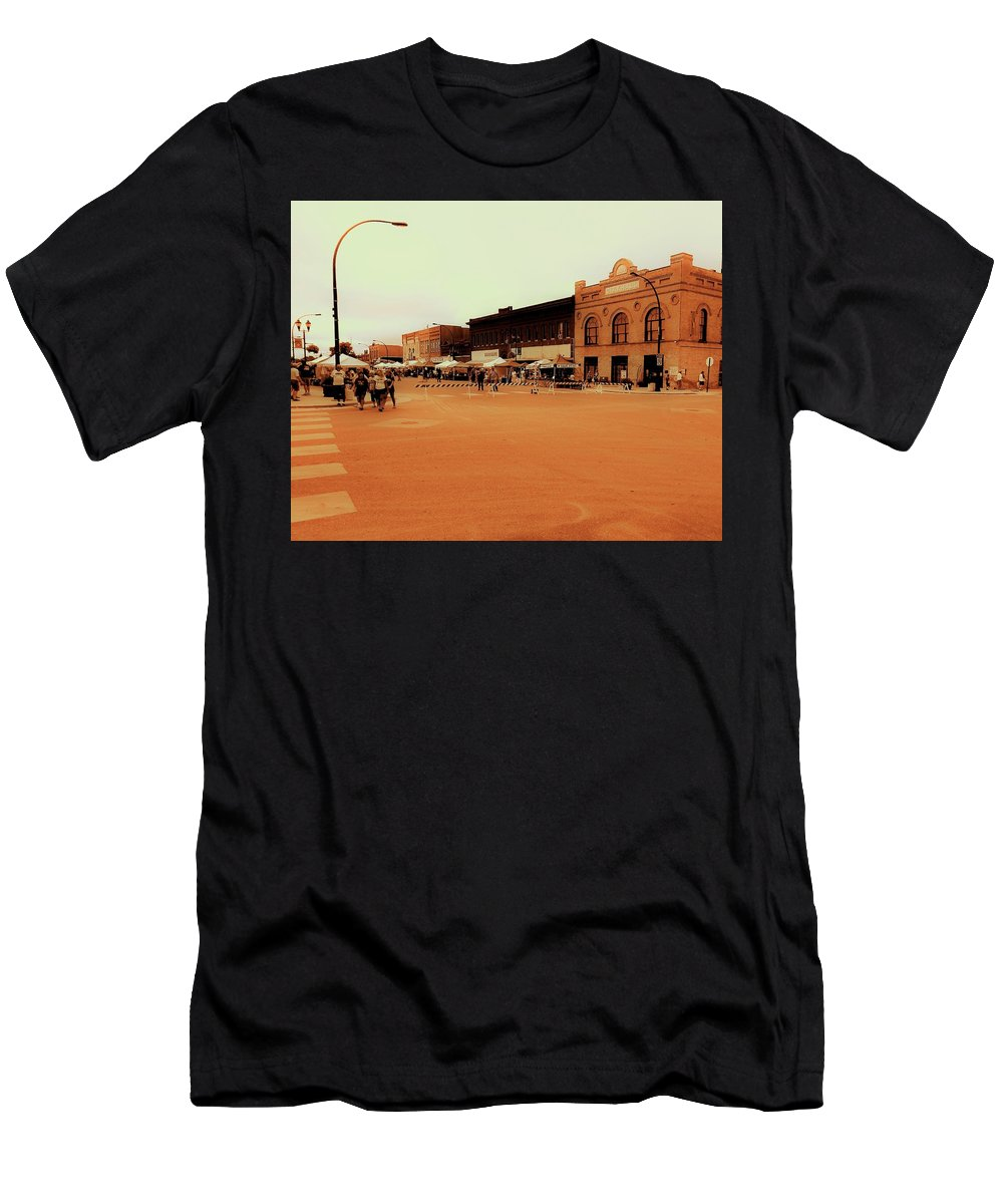 Downtown Men's T-Shirt (Athletic Fit) featuring the photograph Potato Days In Barnesville by Curtis Tilleraas