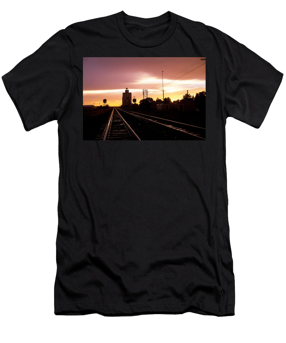 Potter Men's T-Shirt (Athletic Fit) featuring the photograph Potter Tracks by Jerry McElroy