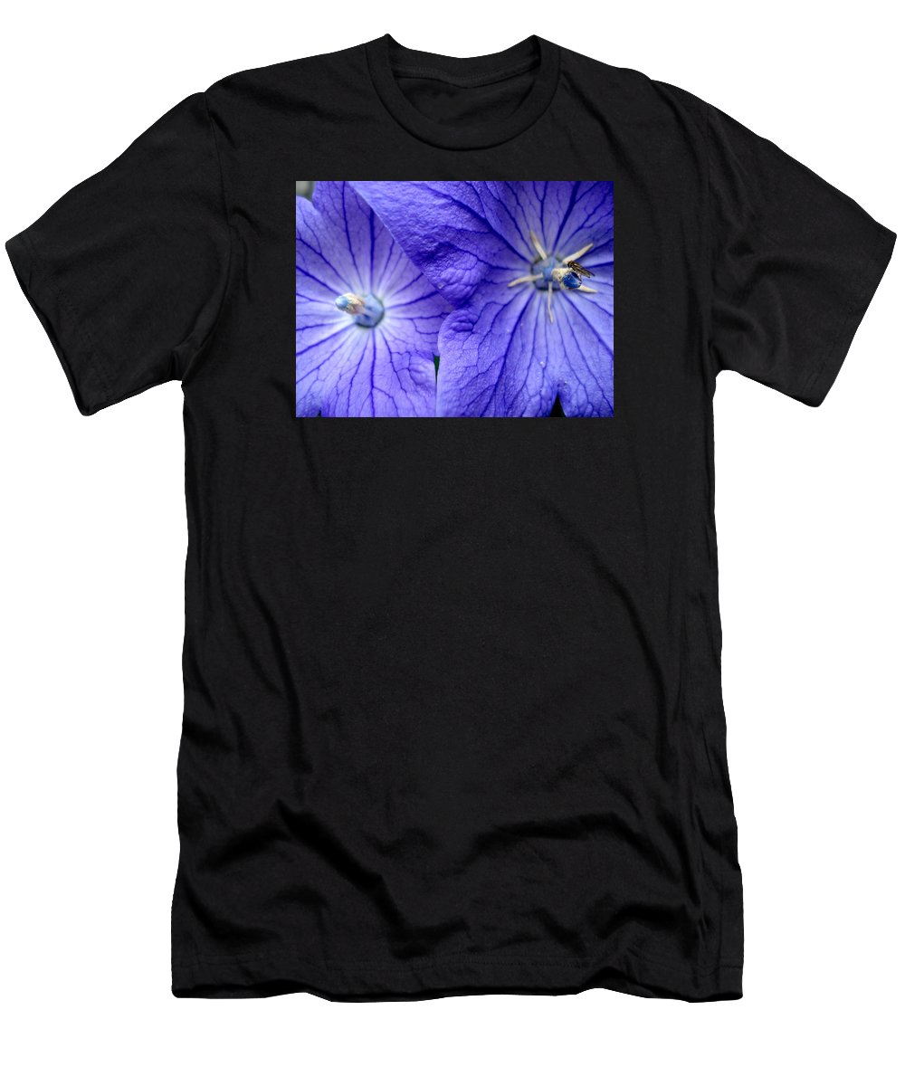 Flowers Men's T-Shirt (Athletic Fit) featuring the photograph Powder 2 by Nelson F Martinez