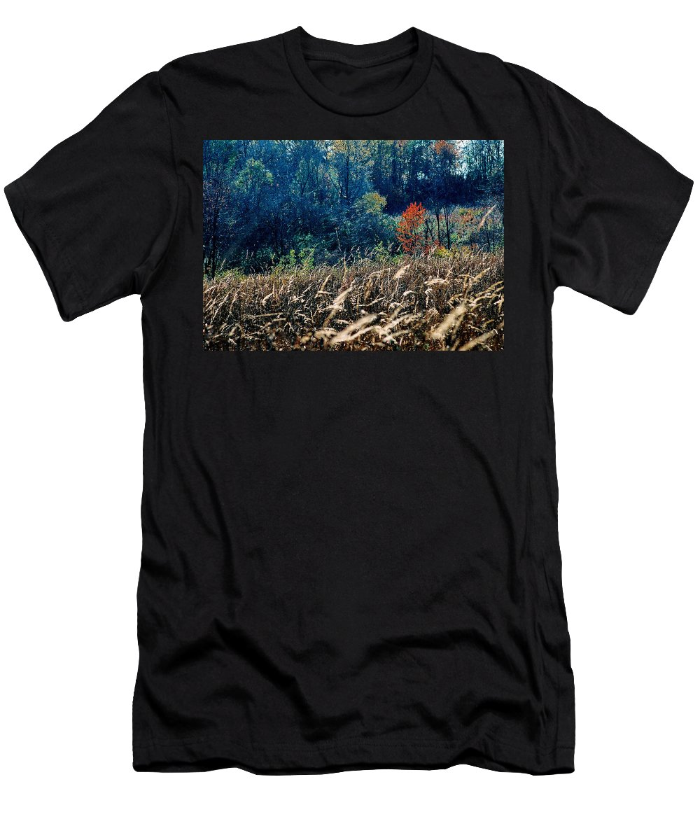 Landscape Men's T-Shirt (Athletic Fit) featuring the photograph Prairie Edge by Steve Karol