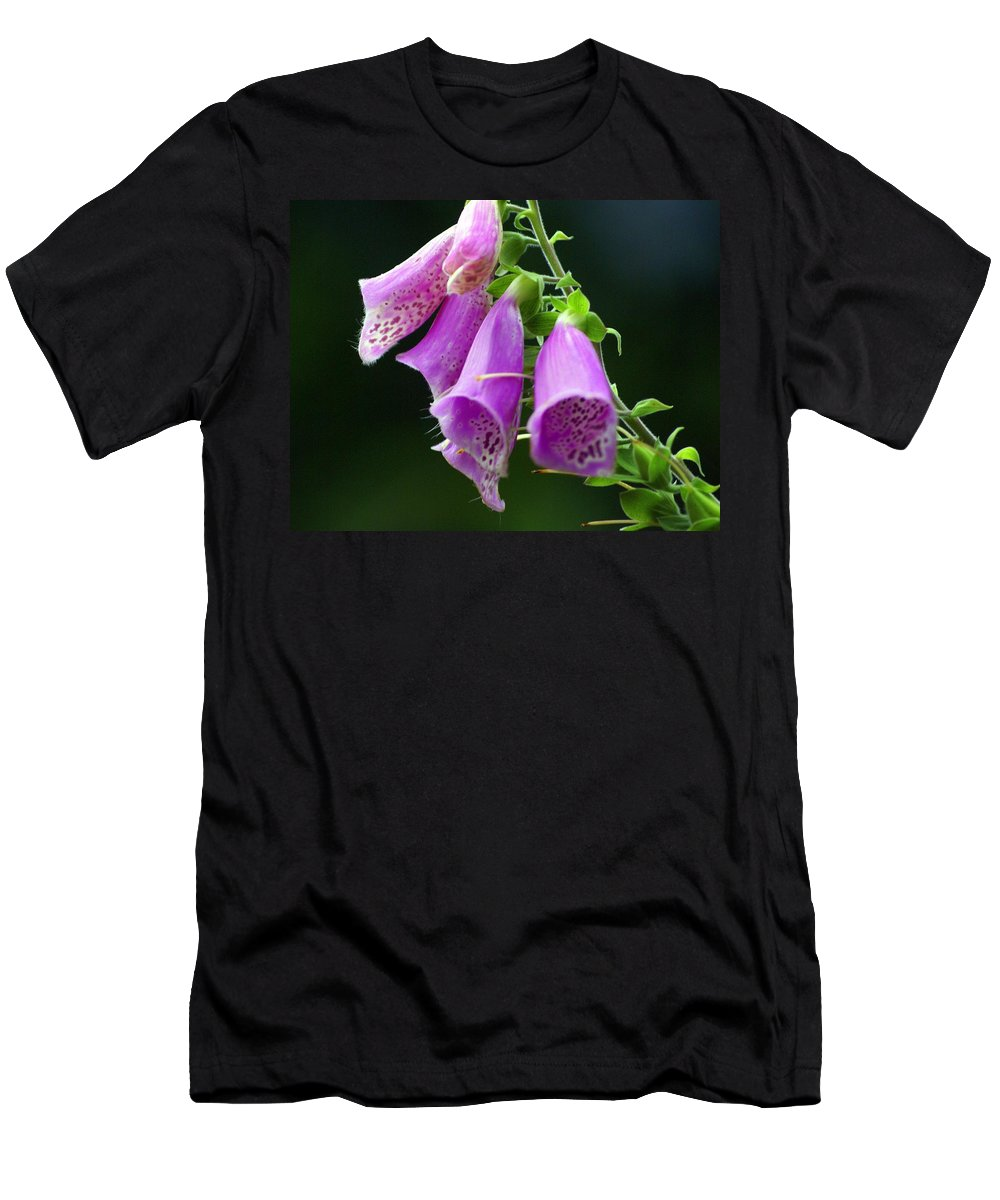 Flowers Men's T-Shirt (Athletic Fit) featuring the photograph Purple Bells Horizontal by Marty Koch