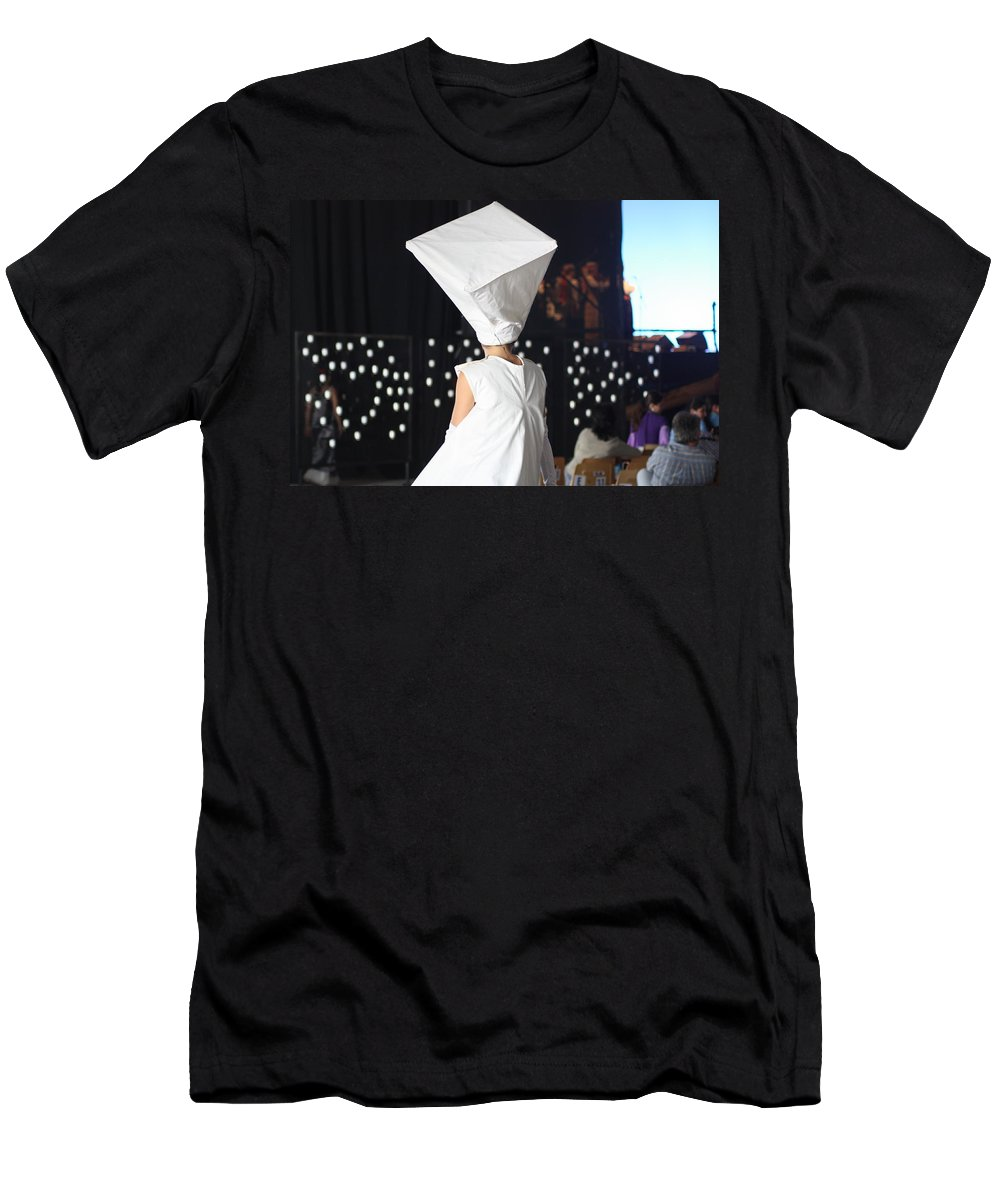 Phot.woman Men's T-Shirt (Athletic Fit) featuring the photograph Quiet Moment by Jo Hoden