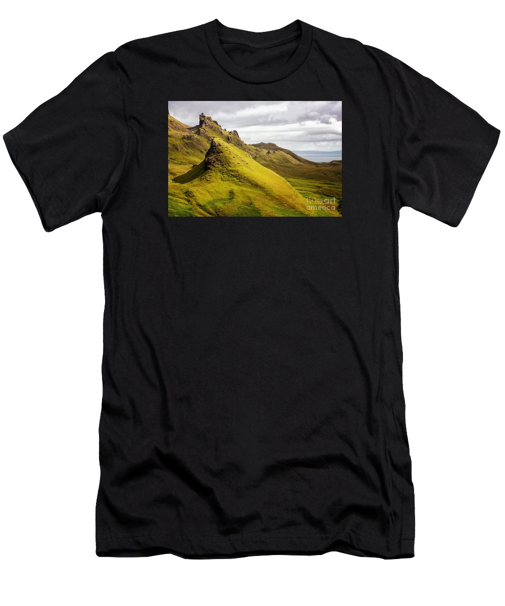 Scotland Men's T-Shirt (Athletic Fit) featuring the photograph Quiraing Mountains by Jane Rix