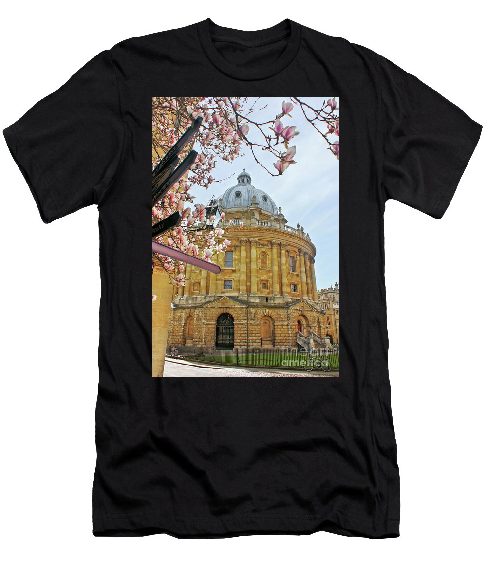 Radcliffe Camera Men's T-Shirt (Athletic Fit) featuring the photograph Radcliffe Camera Bodleian Library Oxford by Terri Waters