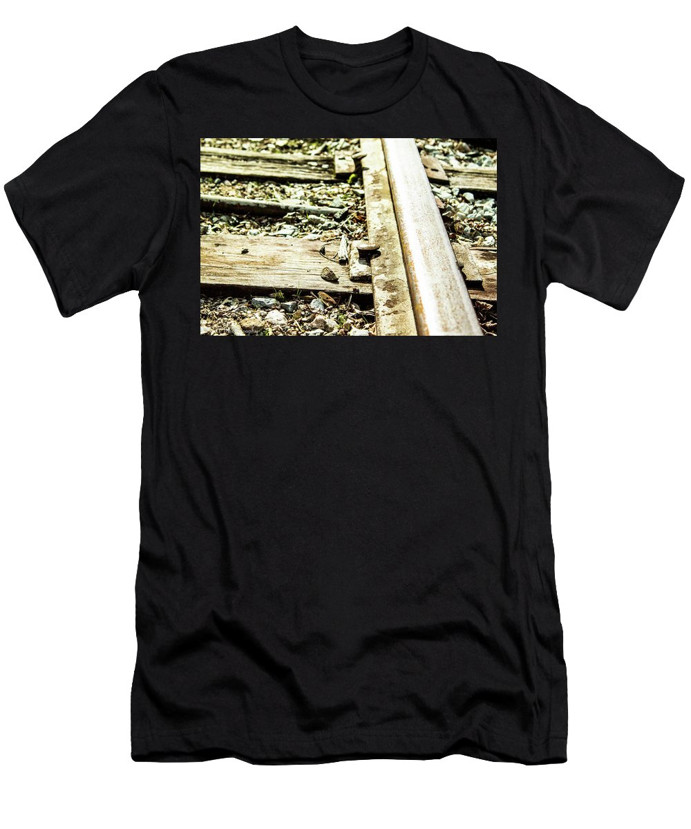 Tennessee Men's T-Shirt (Athletic Fit) featuring the photograph Railroad Way by DA Photography
