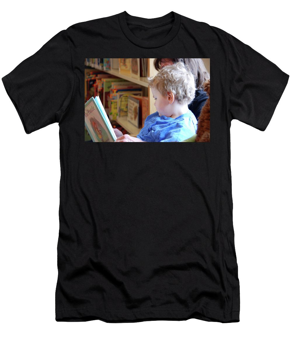 People Men's T-Shirt (Athletic Fit) featuring the photograph Reading Nurtures The Gardens Of The Mind by John Schneider