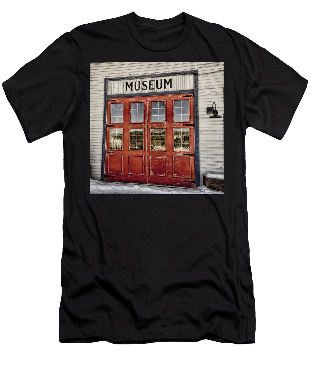 Red Men's T-Shirt (Athletic Fit) featuring the photograph Red Museum Door by Craig Voth