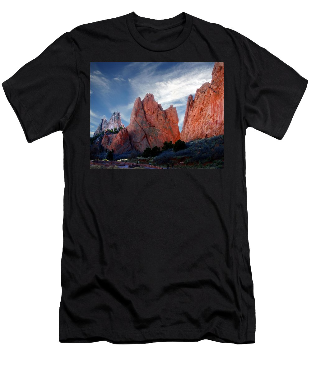 Garden Of The Gods Men's T-Shirt (Athletic Fit) featuring the photograph Red Rock by Anthony Jones