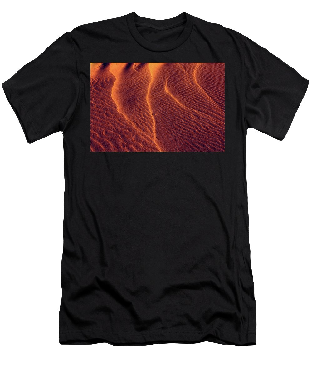 Other Men's T-Shirt (Athletic Fit) featuring the photograph Red Waves by Paul Kukuk