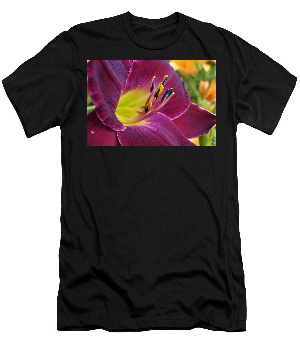 Flora Men's T-Shirt (Athletic Fit) featuring the photograph Regal Beauty by Bruce Bley