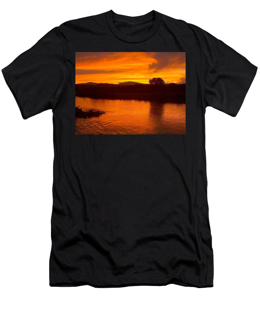Sunset Men's T-Shirt (Athletic Fit) featuring the photograph Rio Grande Sunset by Tim McCarthy