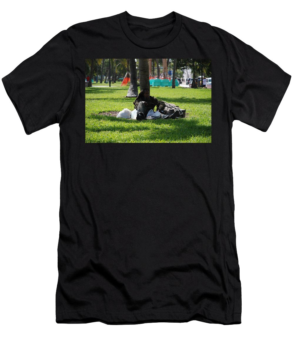 Urban Men's T-Shirt (Athletic Fit) featuring the photograph Rip Van Winkle by Rob Hans