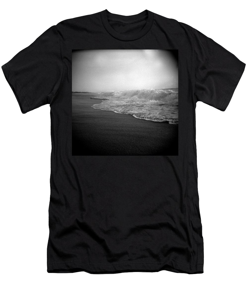 Ocean Men's T-Shirt (Athletic Fit) featuring the photograph Ripple Effect by Jean Macaluso