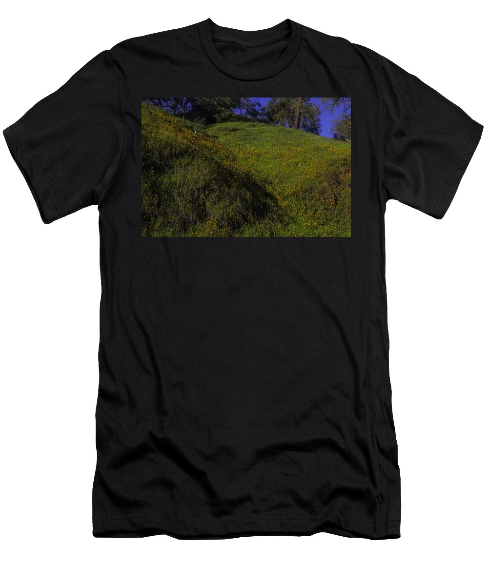 Hill Side Men's T-Shirt (Athletic Fit) featuring the photograph Rolling Hills With Poppies by Garry Gay