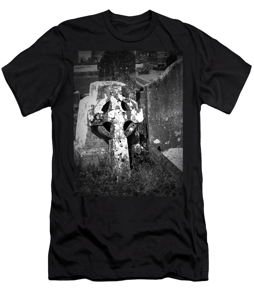 Celtic Men's T-Shirt (Athletic Fit) featuring the photograph Rugged Cross At Fuerty Cemetery Roscommon Ireland by Teresa Mucha