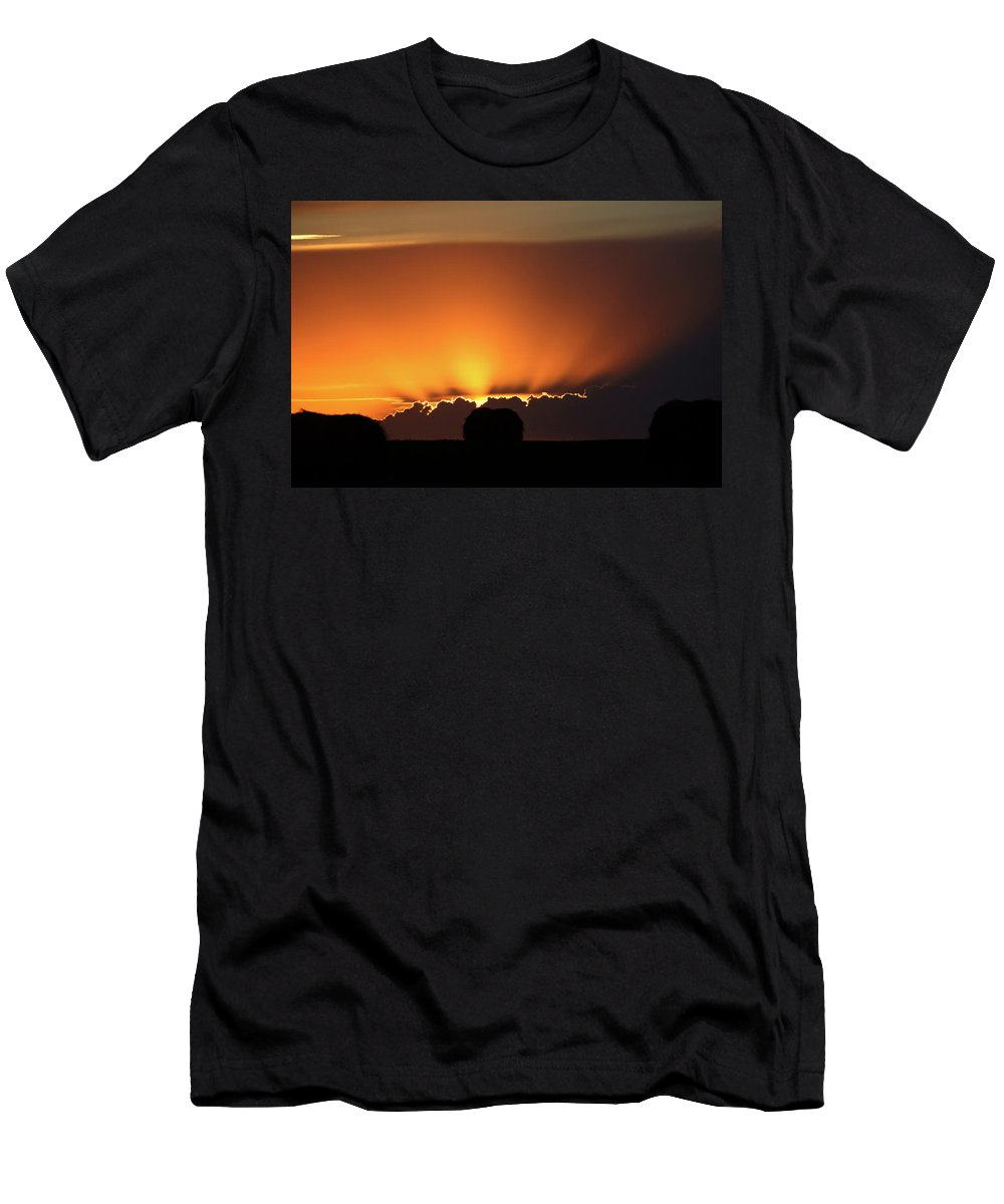 Sun Men's T-Shirt (Athletic Fit) featuring the digital art Setting Sun Peaking Out From Storm Clouds In Saskatchewan by Mark Duffy