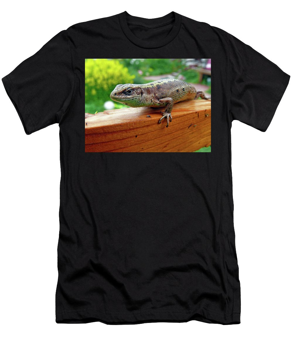 Animal Men's T-Shirt (Athletic Fit) featuring the photograph Small Lizard by Alex Galkin