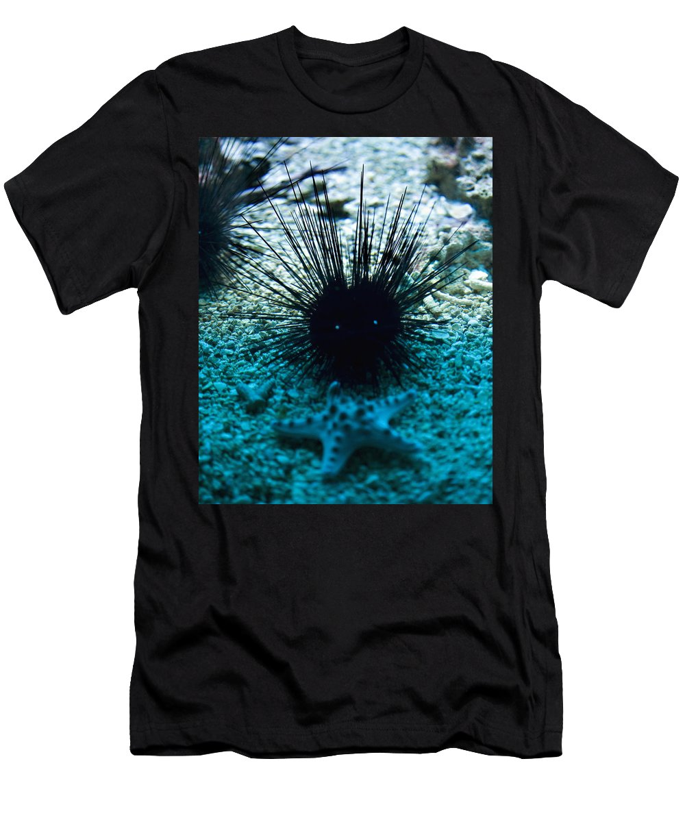 Aquarium Men's T-Shirt (Athletic Fit) featuring the photograph Spike by Marilyn Hunt