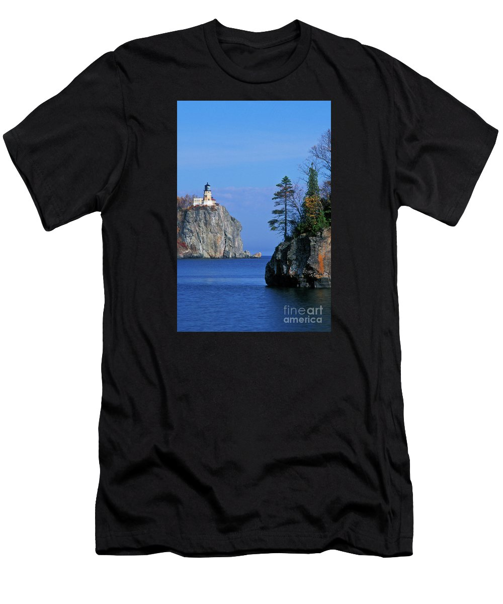 Split Men's T-Shirt (Athletic Fit) featuring the photograph Split Rock Lighthouse - Fs000120 by Daniel Dempster