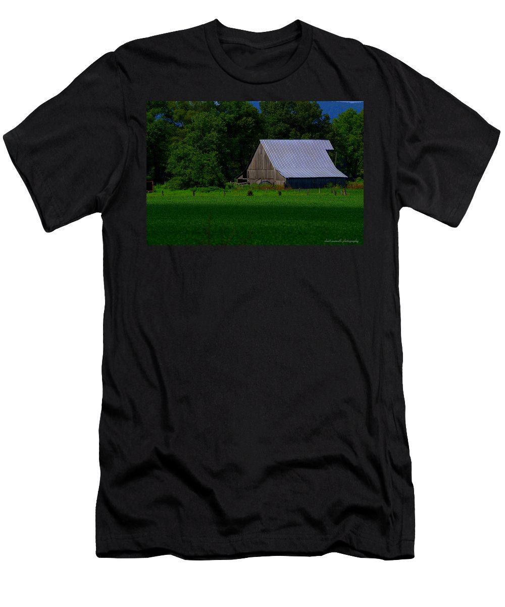 Green Men's T-Shirt (Athletic Fit) featuring the photograph Spring Barn by Sheri Bartoszek