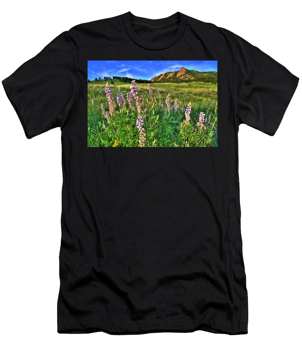 Mountains Men's T-Shirt (Athletic Fit) featuring the photograph Spring Beauty by Scott Mahon