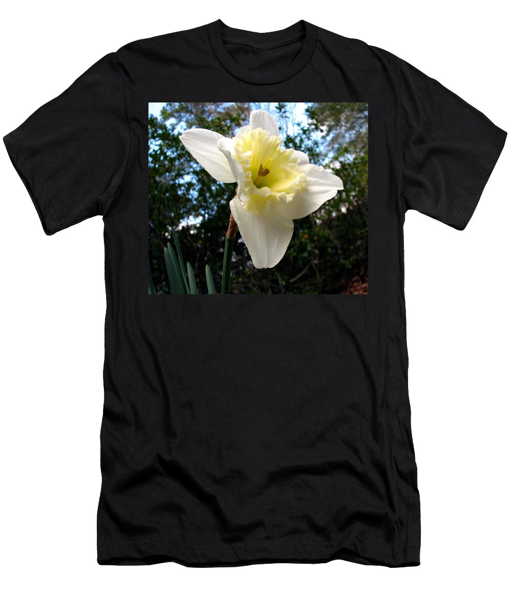 Daffodil Men's T-Shirt (Athletic Fit) featuring the photograph Spring's First Daffodil 3 by J M Farris Photography
