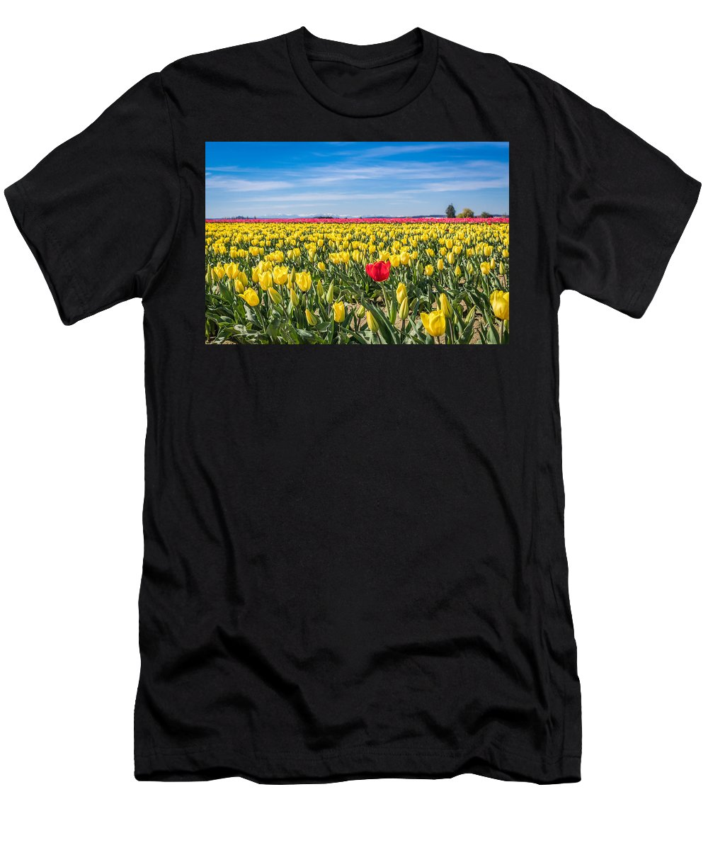 Landscape Men's T-Shirt (Athletic Fit) featuring the photograph Stand Out by Amanda Thornton-DeWitt