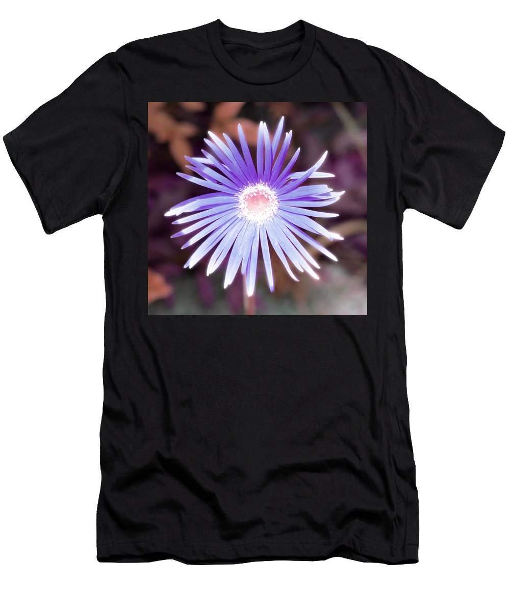 Star Men's T-Shirt (Athletic Fit) featuring the photograph Star by Susan Lotterer