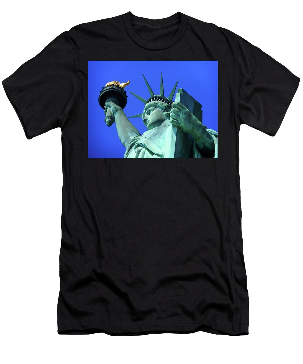 New York City Men's T-Shirt (Athletic Fit) featuring the photograph Statue Of Liberty 11 by Ron Kandt