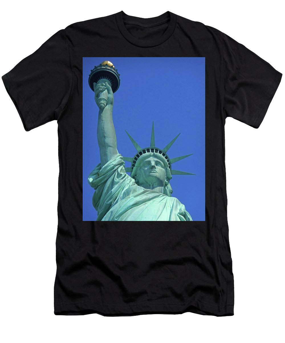 New York City Men's T-Shirt (Athletic Fit) featuring the photograph Statue Of Liberty 14 by Ron Kandt