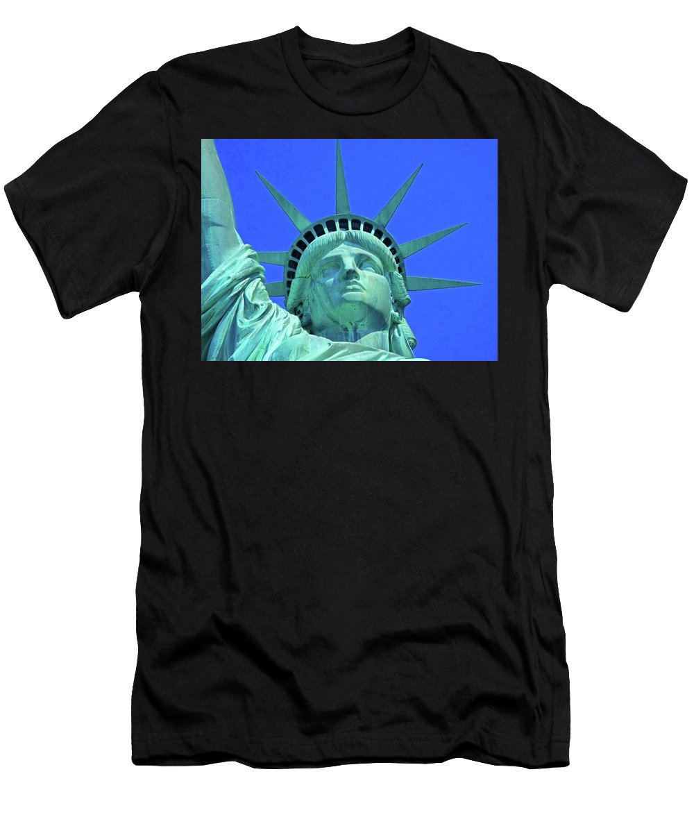 New York City Men's T-Shirt (Athletic Fit) featuring the photograph Statue Of Liberty 19 by Ron Kandt