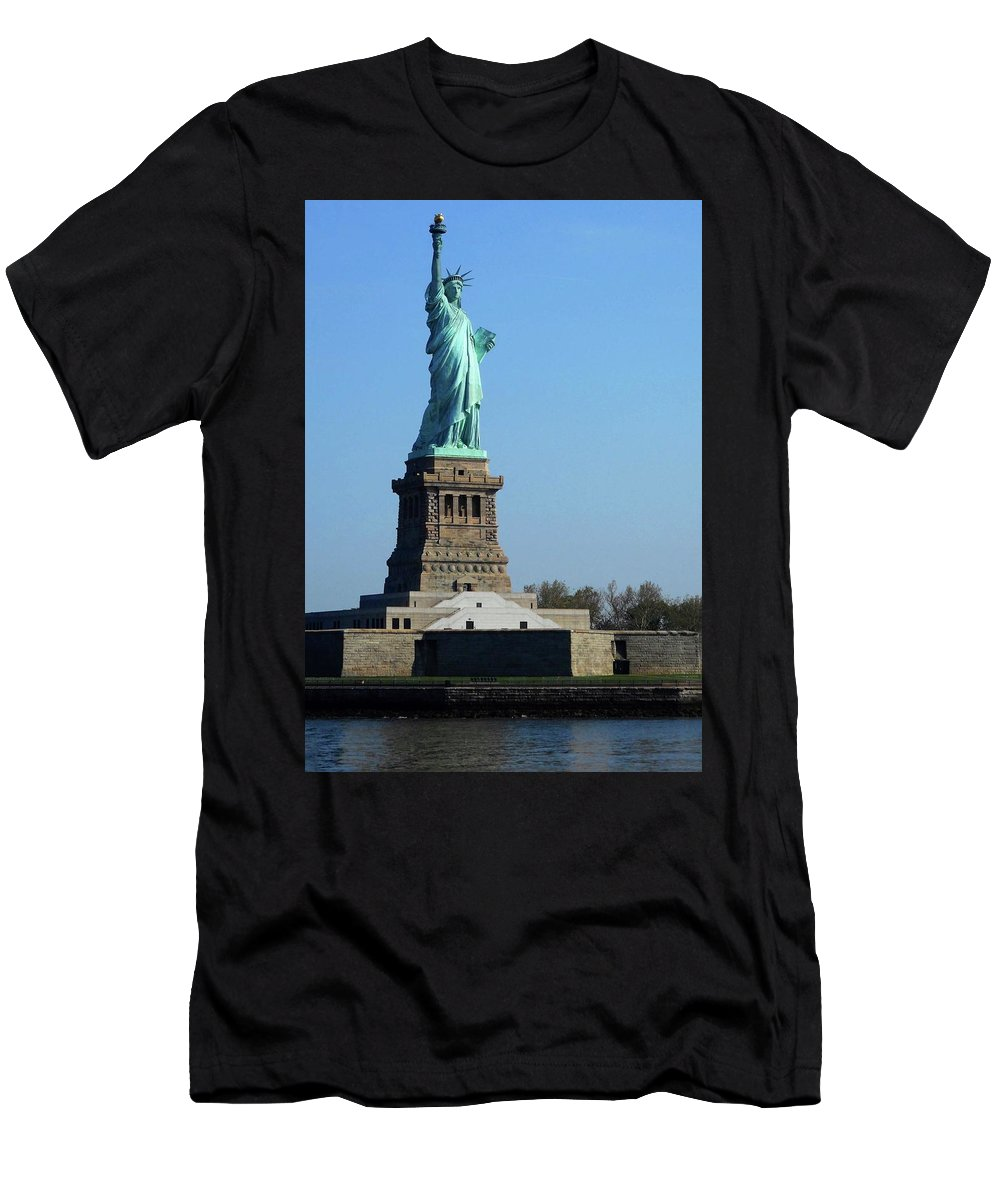 New York City Men's T-Shirt (Athletic Fit) featuring the photograph Statue Of Liberty 6 by Ron Kandt