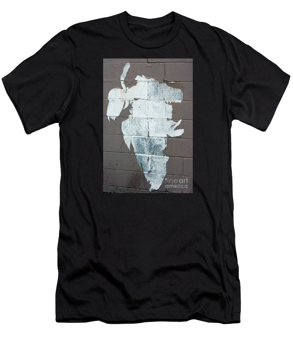 Steer Men's T-Shirt (Athletic Fit) featuring the photograph Steer Skull Abstract by Robert Smitherman