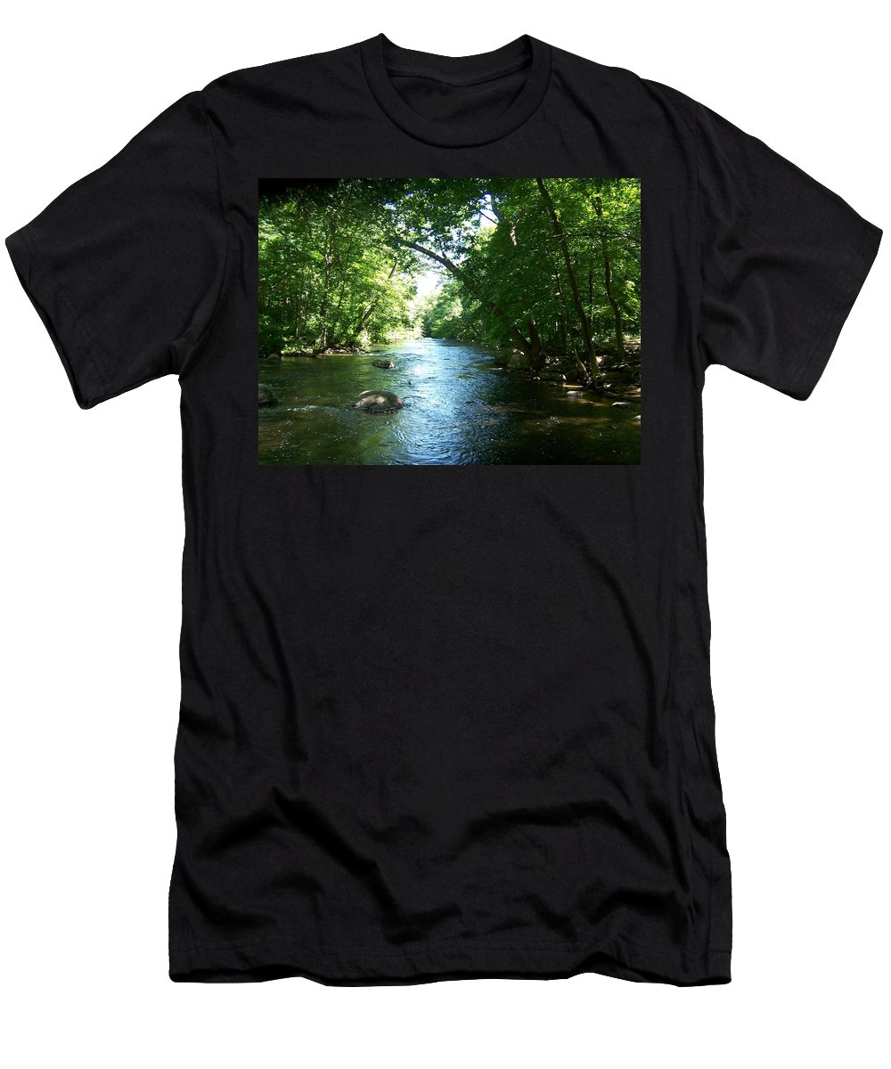 River Men's T-Shirt (Athletic Fit) featuring the photograph Stephens State Park by Laurie Paci
